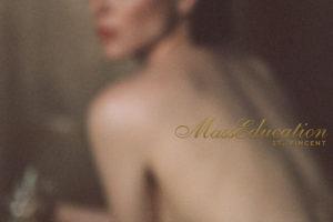 インディーロックの女王、St .Vincent(セイント・ヴィンセント)がアルバム『MassEducation』より「Savior」のMVを公開!