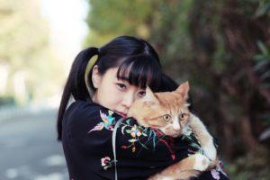 テンテンコ、待望の新作は超刺激的な仲間達と作ったネコ・ソングのカバー・アルバム『ALL YOU NEED IS CAT~猫こそはすべて』!12/5(水)リリースに先駆けアー写&ジャケ写&インストアライブ情報を同時公開!