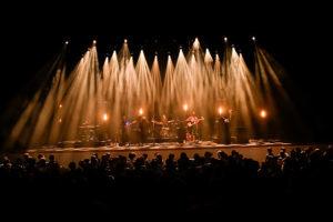 【Live Report】THE CINEMATIC ORCHESTRA、待望の来日公演。東京公演ライブレポート&セットリストのプレイリスト公開!オフィシャルTシャツの追加販売決定も!