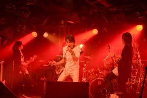 「Butter-fly」のカバーも。「未確認飛行船」など新旧「デジモン」シリーズを数多く熱唱した、谷本貴義初の配信ライブを実施!!
