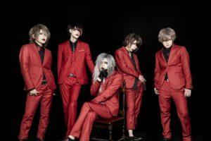 XANVALA、クリスマス単独公演では真っ赤な限定スーツ姿でライブ。でも…。