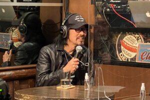 現在はデジタルアーティストとして活動する元音楽プロデューサーの月光恵亮氏が無観客配信トークライブ