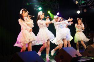 総勢12組が華やかに春の舞台を彩ったライブの中から、ニコニコ♡LOVERS・BANZAI JAPAN・さくらシンデレラ・iLiFEのライブの模様をレポート!!!!