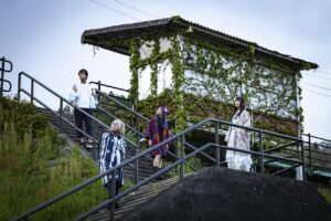 声優の太田彩華率いる文学的青春パンクバンドの太田家。2ndアルバムの発売を宣言。最新アーティスト写真を撮影したのが、太田繋がりで広島の…。